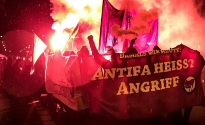 Applicants on the Silvio-Meier-Demo: Antifa means democracy