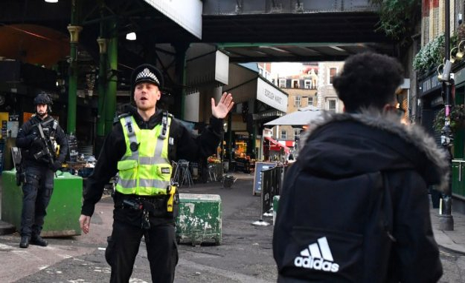 Eyewitnesses describe panic scenes near London Bridge