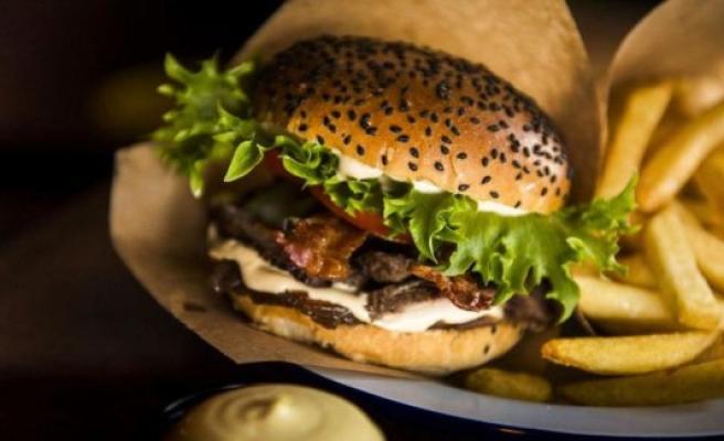 Known burgerkæde in deficit - again