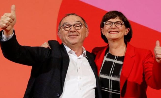 Regeringskritisk duo wins the presidency in the German SPD