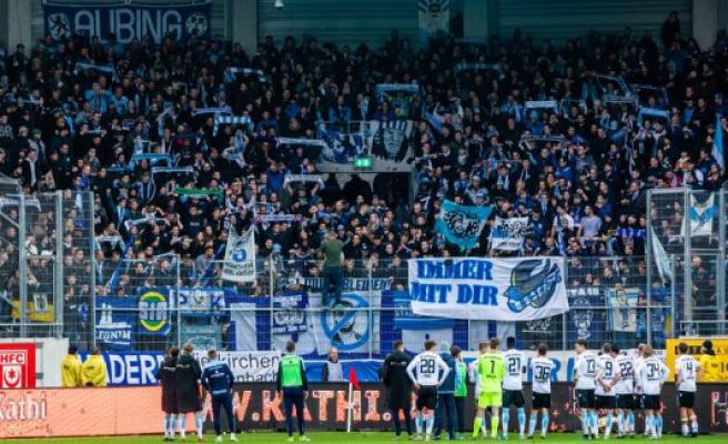 TSV 1860 Munich vs. Hallescher FC: A little bit of the fall of the wall