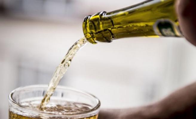 CBS the expulsion of 25 students - broke alkoholregler on introture