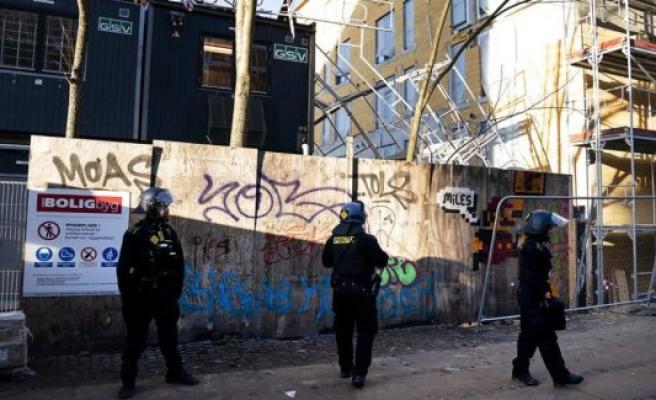 Copenhagen police status on the violent demonstration: Spitting female Net-employee in the head