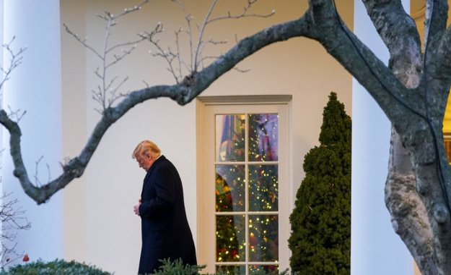 Editor: Hard to devote Trump despite impeachment