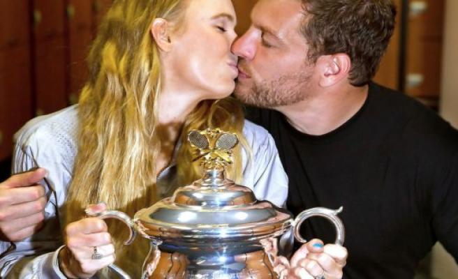 LIVE: Wozniacki gets a special greeting
