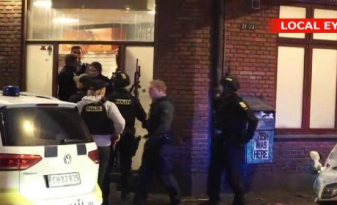 Police automatvåben separate Istedgade after 'suspicious circumstances'