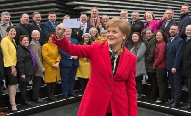 Scottish leader calls referendum on secession after the brexit