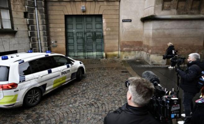 Three terrorsigtede imprisoned on suspicion of bombeplaner