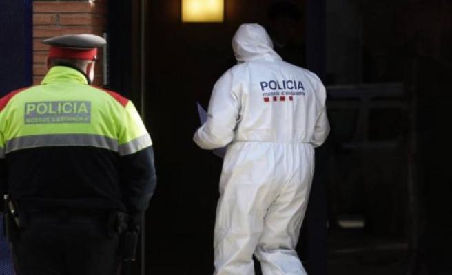 A man kills his wife and his 3 year old daughter in Esplugues de Llobregat
