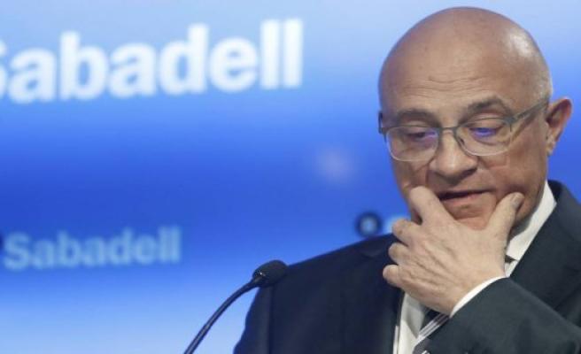 Sabadell sold its fund management to Amundi for 430 million