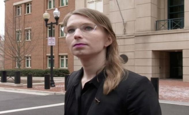 Chelsea Manning under suicide effort