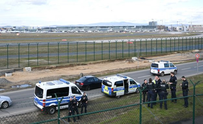 Drone paralyses Frankfurt airport temporarily