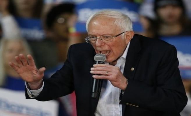 Sanders hits the backbone of the Democrats
