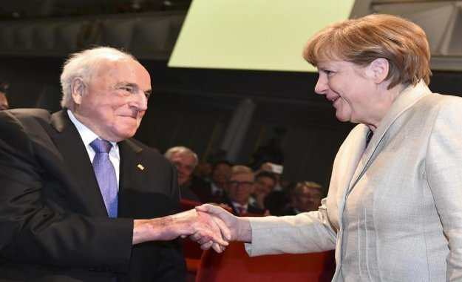 500 billion for Europe: Merkel converts with Corona-rescue plan on Kohl's tracks