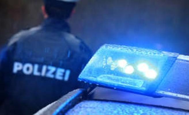 Ebersberg/ Bayern: a nurse stands in front of the court: drug trafficking   Ebersberg