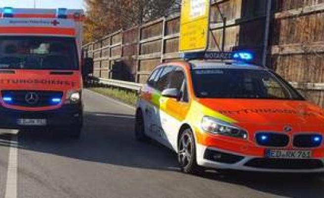 Erding drunk girl at the Kronthaler Weiher police rescue service | Erding