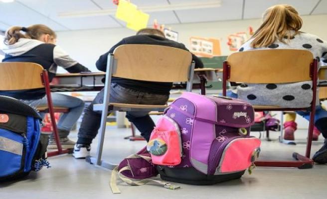 Kretschmer announces regular school after the summer holidays