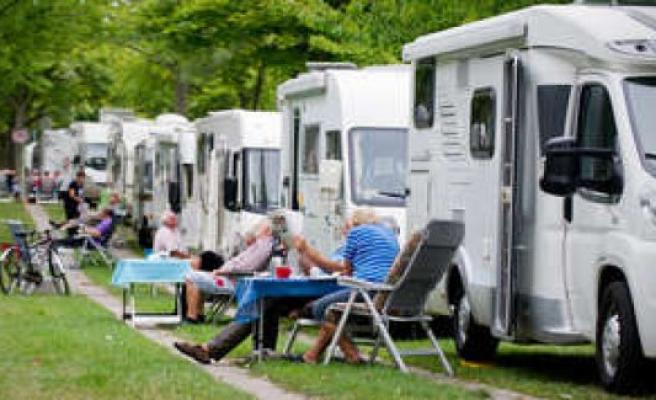 Krün, Bavaria, Germany: RV plug holiday village - Pseudo-camping angry police chief   KRUN
