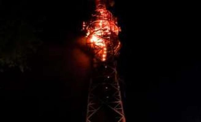 Munich BR radio tower burns suddenly on fire - hazardous fire-use | Schwabing-Freimann