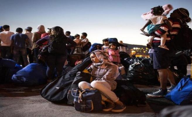 The refugee camp of Moria: dispute between children escalates - parent kill other parent