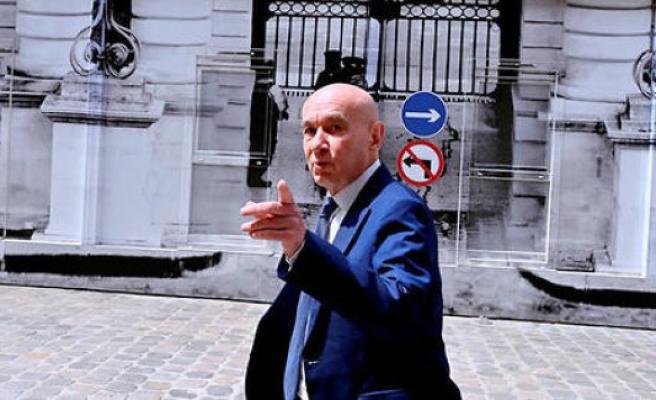The train denfer of senator Claude Malhuret - The Point