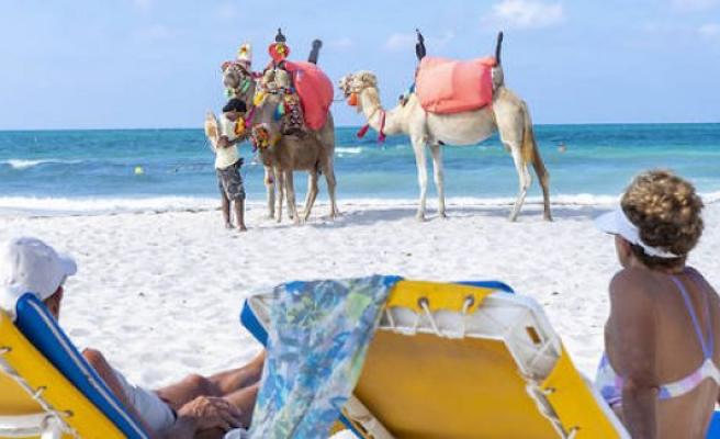 Tunisia : Tourism, operation rescue - The Point