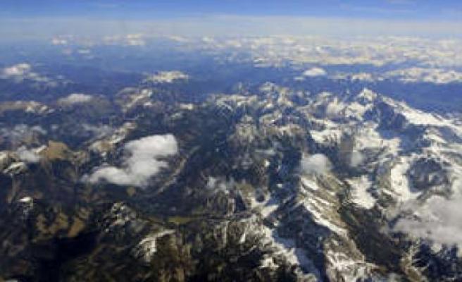 Bavaria/Garmisch-Partenkirchen: Alpine-disaster - tourist plunges about 200 feet into the death of   Bavaria