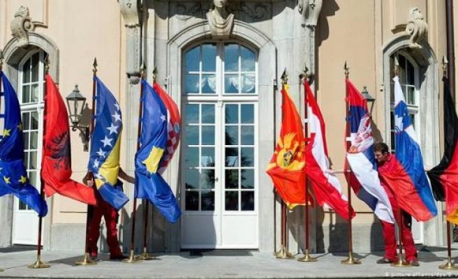 Bosien, Croatia, Serbia, Hampered by national interests
