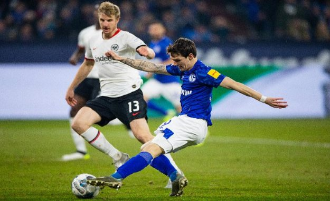 Eintracht Frankfurt against Schalke 04 in the Live-Stream: Bundesliga live on the Internet see