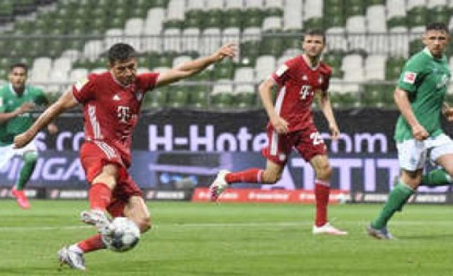 FC Bayern Munich: Lewandowski makes FCB to the spirits of the masters - Where are the fireworks?   FC Bayern