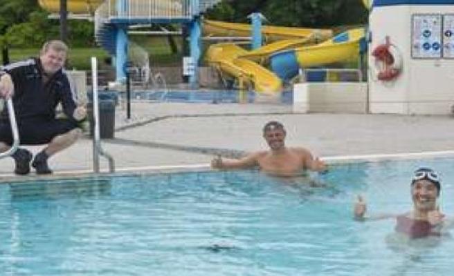 First swimmers in the Rigi-slip'n: Corona season is opened | Peißenberg