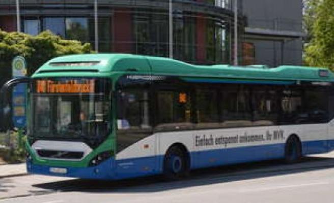 Fürstenfeldbruck/bus-driver with 2.2 per Mille on the B2 road   Fürstenfeldbruck