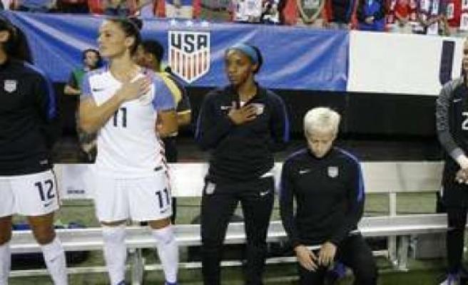 Knee-ban: U.S. soccer challenge indoor redemption | football