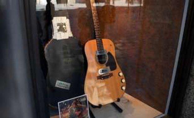Kurt Cobain/Nirvana: guitar music legend for incredible price auctions | Boulevard