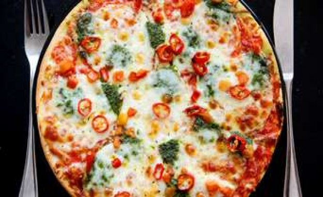 Pizza dough: use a rolling pin? Then you make a big mistake | enjoyment