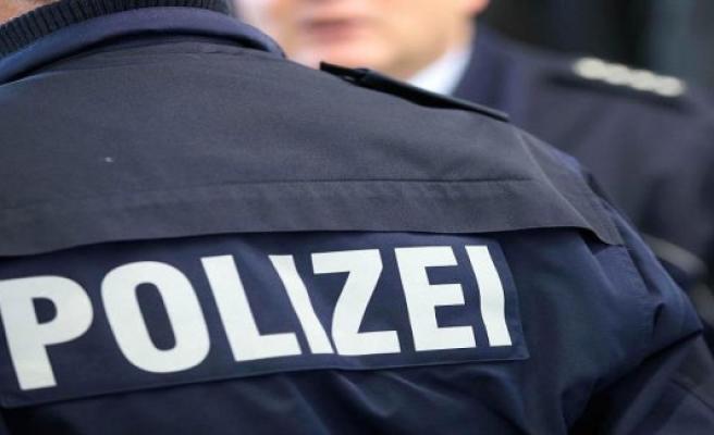 Police Gütersloh: collision averted. Bike rider crashes
