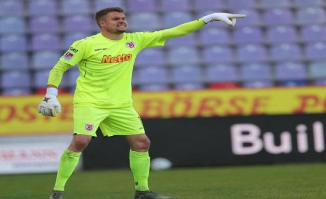 Regensburg may have to abandon Keeper Meyer