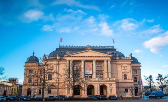 Schwerin Mecklenburgisches Staatstheater Schwerin: New Leading Duo
