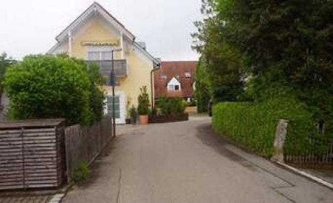 The baustädter road in Weichs is not a one-way street | Weichs