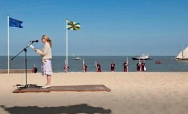 The beach photo shows a unlaubliche Illusion: hurts my brain | world