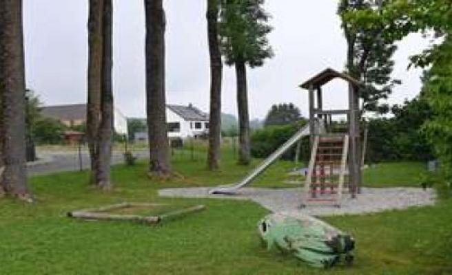 U-turn: children's Playground in cattle Creek will receive   Fahrenzhausen