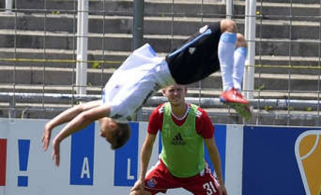 Video: Dennis Dressels (TSV 1860) hat-Trick against Unterhaching | TSV 1860