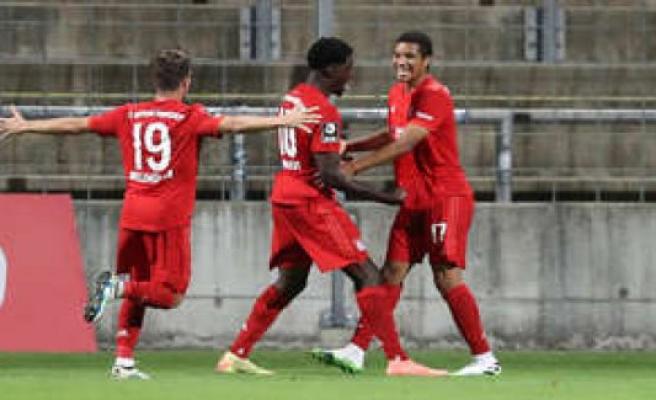 Video: Malik Tillman FC Bayern 2 leads to victory in Jena, Germany | FC Bayern