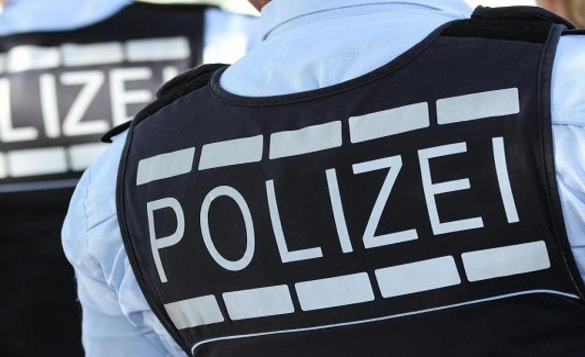 Bremen: police, Bremen: suspect is on a University building