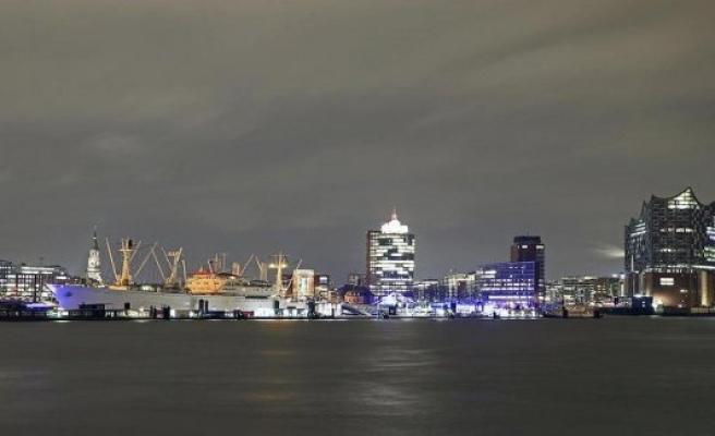 Hamburg: Difficult market environment: industry giant sweeps in Hamburg 155