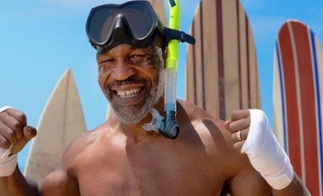 Mike Tyson against The white shark in Shark Week