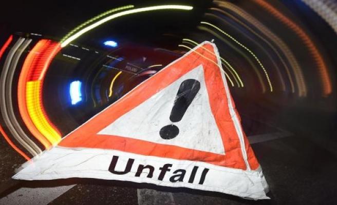 Neubrandenburg: strip-cars and car collide: Two slightly injured