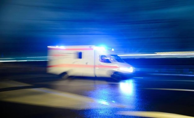 Small plane crashes into apartment building in NRW - 3 Dead