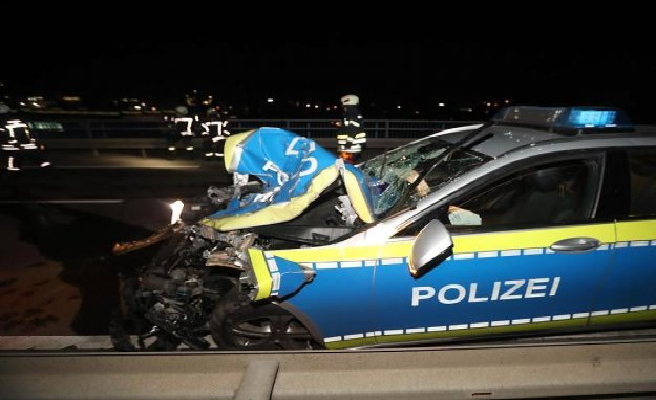 Ulm: police car collides with car: Three slightly injured