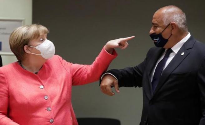 Visegrad heads of government whistle on Corona-rules - Merkel rüffelt Bulgarians-the Prime